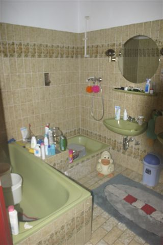 mintgrünes bad - zu hülf!, Badezimmer
